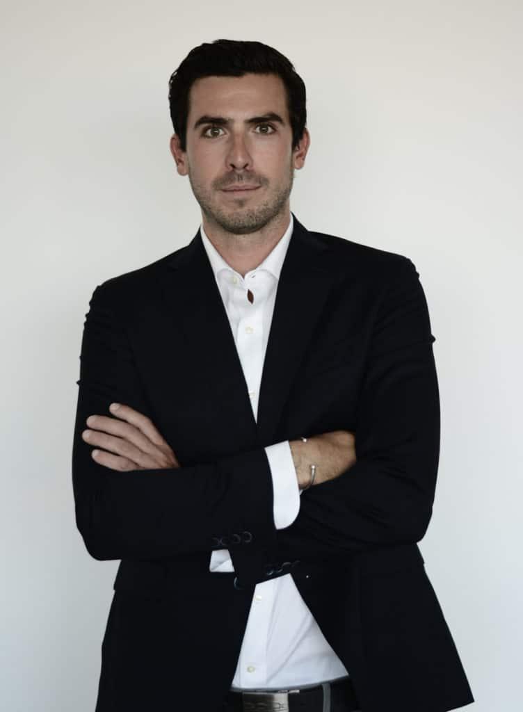 Le chirurgien, Dr Sébastien Pascal, chirurgie plastique, reconstructrice et esthétique à Marseille